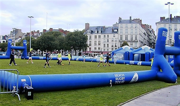 terrain rugby gonflable bleu nantes