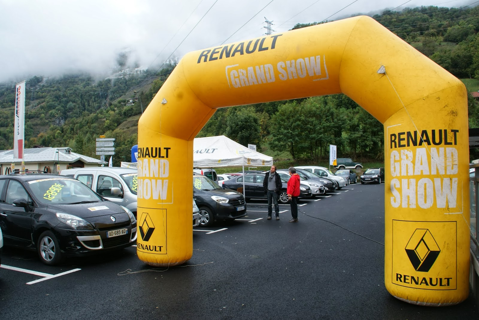 ARCHE-GONFLABLE-RENAULT